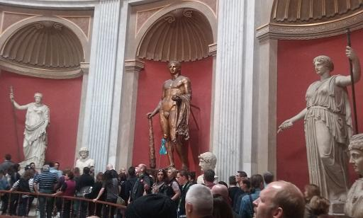 museum crowds
